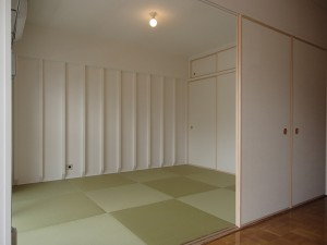 南側のお部屋は寛げる畳敷きをチョイス