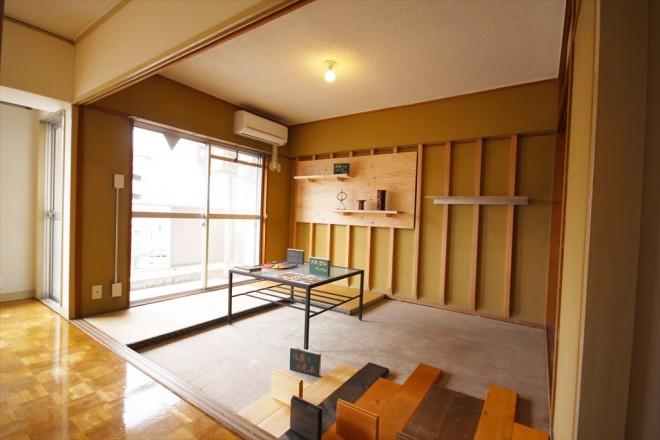 光ハイツ404号室「縦格子の広がり」